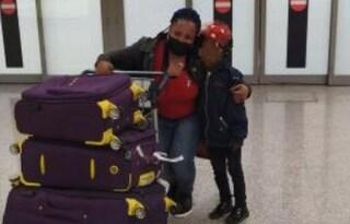 L'incontro più bello: mamma e figlia si riabbracciano dopo 5 anni