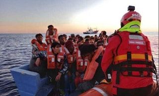 Assegnato il porto di Augusta alla Aita Mari: a bordo 50 migranti, tra cui 4 minori