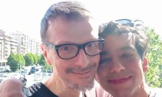 """Torino, ragazza transgender aggredita in strada con il fidanzato: """"Non guardarmi o ti ammazzo"""""""