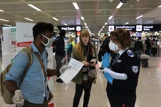 Caos vacanze, turisti bloccati in aeroporto: perché è necessario compilare il Passenger locator form