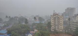 Sull'India martoriata dal Covid si abbatte il ciclone Tauktae: è il più forte degli ultimi 20 anni