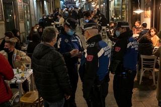 Madrid revoca il coprifuoco: ristoranti chiusi a mezzanotte dopo la fine dello stato di emergenza