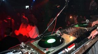 Festa in discoteca a Gallipoli con 2000 persone: l'esperimento per riaprire. Come funziona