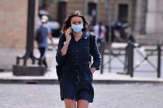 Niente mascherine all'aperto con 30 milioni di vaccinati, dice il sottosegretario Sileri