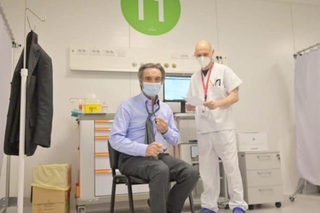 Attilio Fontana all'hub in Fiera per il vaccino anti Covid