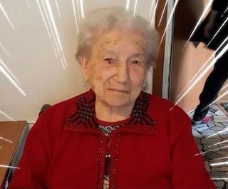 """Ida Zoccarato compie 112 anni: festa per """"nonna Veneto"""", che dopo un infarto ha sconfitto il Covid"""