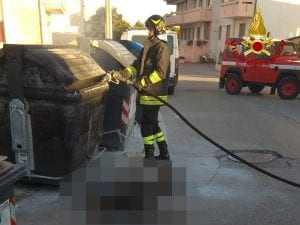 Il cadavere ritrovato a Chioggia (foto Vigili del Fuoco)