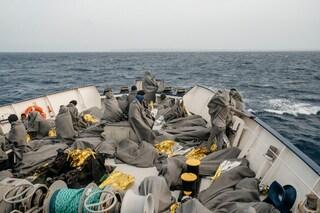 Sea Watch verso Trapani, assegnato porto sicuro: a bordo 194 minori non accompagnati e 6 bambini