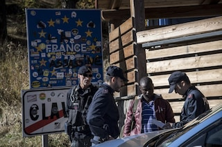 La Francia respinge i bambini migranti verso l'Italia: la denuncia di Human Rights Watch
