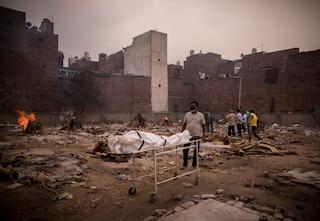 India, secondo uno studio del New York Times i morti reali sono stati fra 600 mila e 4,2 milioni