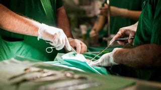 Vigilantes licenziato dall'ospedale si finge medico ed esegue operazione: paziente muore in Pakistan