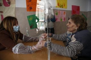 Grazie ai vaccini anti Covid crollano contagi e ricoveri tra gli ospiti delle Rsa