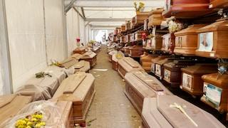 """Palermo, 900 bare in deposito, la vergogna del cimitero: """"Otto mila euro per seppellire mio padre"""""""