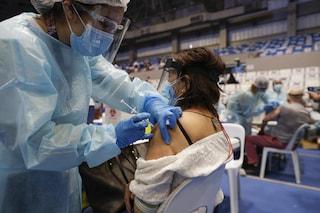 Come stanno andando le vaccinazioni in Italia rispetto agli altri Paesi europei