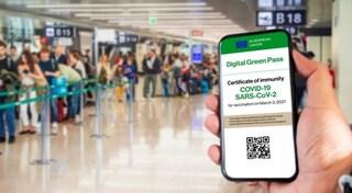 Chiede il green pass a due passeggeri prima del volo: picchiata addetta dell'aeroporto di Trieste