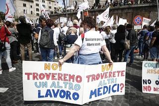 "In Alto Adige sospesi i primi 115 sanitari No Vax: ""Tornerete al vostro posto se vi vaccinerete"""