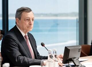 """Draghi rassicura gli italiani sui vaccini: """"Il piano continua, non ci sono incertezze né timori"""""""