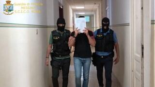 Trasportavano droga sulle ambulanze durante il lockdown: otto arresti