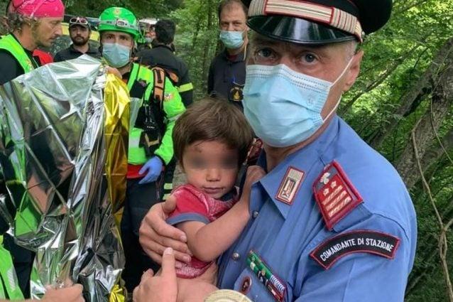 Nicola Tanturli è stato ritrovato vivo: il bambino scomparso nel Mugello era in fondo a una scarpata