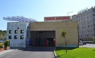 Muore a casa dopo 15 ore in pronto soccorso, indagati 4 medici a Crotone