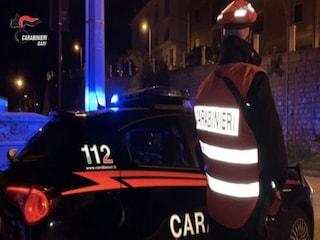 Bari, in giro con un lampeggiante blu sull'auto, pubblica il video sui social: denunciato 21enne