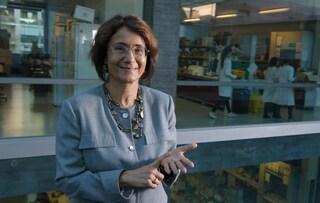 """La biologa Poli a Fanpage: """"Gli open day per i giovani con AstraZeneca sono stati un grave errore"""""""