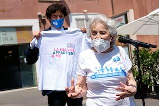 Referendum eutanasia, i primi dati: 100mila firme raccolte in un mese