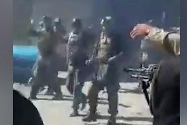 Afghanistan, 22 soldati giustiziati a sangue freddo dai talebani: si erano già arresi