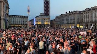 Torino, in migliaia in Piazza Castello per la manifestazione contro il Green Pass