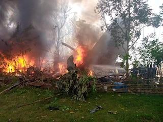 Filippine, aereo militare si schianta poco prima dell'atterraggio: 85 le persone a bordo