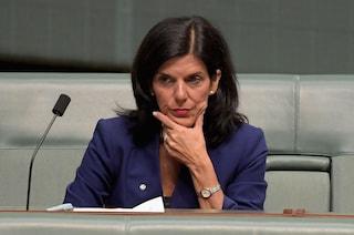 """Australia, la denuncia dell'ex parlamentare Julia Banks: """"Sono stata molestata da un ministro"""""""