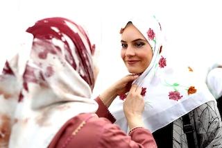 Per la Corte di Giustizia Ue in alcuni casi si può vietare il velo islamico sul luogo di lavoro