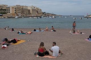 Malta chiude le frontiere ai non vaccinati e le scuole di lingue dopo lo scoppio di focolai Covid