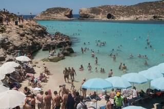 Studenti italiani bloccati a Malta per focolaio Covid: perché nessuno può tornare a casa