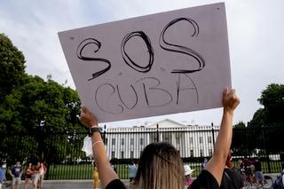 """Gli Stati Uniti pronti a nuove sanzioni contro Cuba. Biden: """"Questo è solo l'inizio"""""""