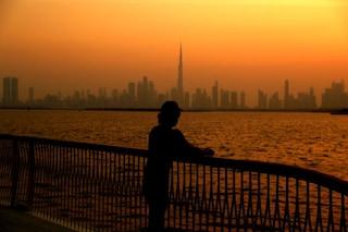 Focolaio Covid durante vacanza studio, 300 studenti italiani bloccati a Dubai: una decina i positivi
