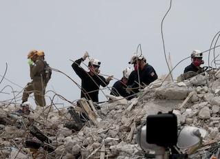Palazzo crollato a Miami, terminate le ricerche: il bilancio è di 54 morti e 86 dispersi