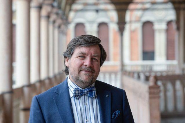 """Clima, Luca Mercalli a Fanpage.it: """"Urgente mangiare meno carne e ridurre gli sprechi di cibo"""""""