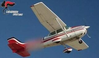 Cocaina piove dal cielo, carico da 8 milioni lanciato da un aereo finisce sulle case a Oristano