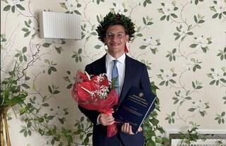 """Vittorio si laurea in Economia in meno di due anni: """"Sfida con me stesso, la pandemia mi ha aiutato"""""""
