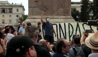 La manifestazione contro il Green Pass a Roma, c'è anche Forza Nuova: tensioni con i giornalisti