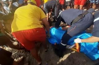 Nausea, febbre e vomito dopo il bagno in mare: 200 persone intossicate in Algeria