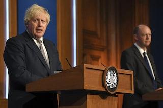 Il Governo UK dice che la variante Delta causerà 100mila casi al giorno, ma riapre tutto lo stesso