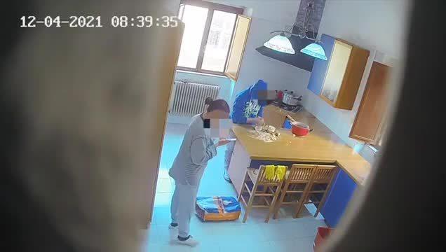 """Abusi e violenze sessuali su disabili psichici, scoperto centro """"lager"""" a Caltanissetta: tre arresti"""