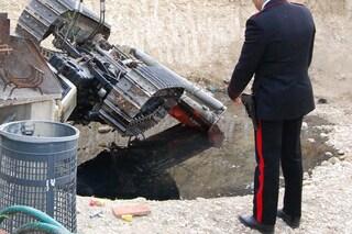 Tragedia sul lavoro nel Cuneese, operaio 41enne muore schiacciato da un escavatore