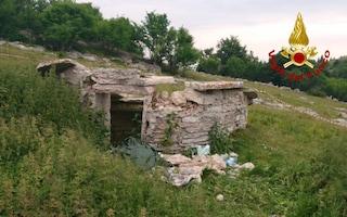 Giocavano sul tetto di una vecchia ghiacciaia, così sono morti due bambini a Sant'Anna d'Alfaedo