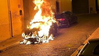 """San Severo, incendiata la Mini Cooper dell'assessore: sindaco, """"non ci fanno paura"""""""