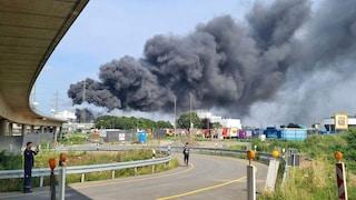 """Germania, esplode impianto chimico, un morto e dispersi. La Protezione Civile: """"Minaccia estrema"""""""