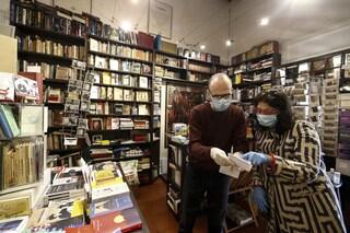 L'Italia torna a leggere: nel primo semestre 2021 il mercato del libro cresce anche più del 2019