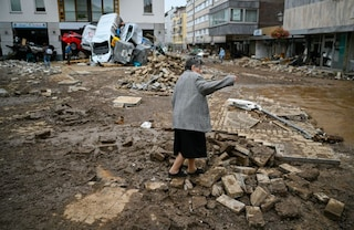 Germania e Belgio devastati dal maltempo: allarme per una diga che rischia di crollare